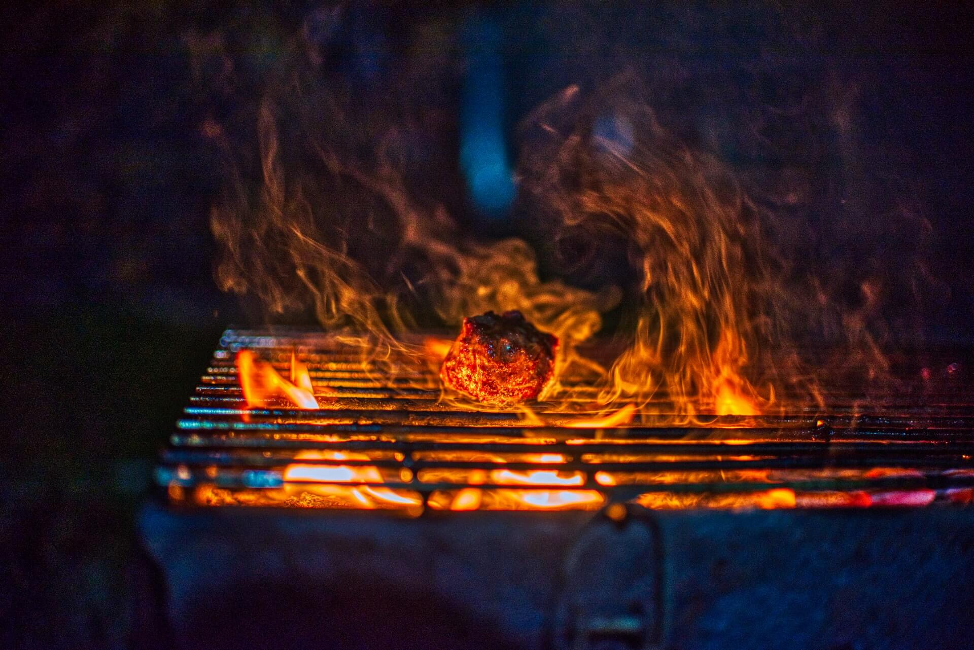 Best Gas Grill under $300 for Delicious and Easy Home Grilling.