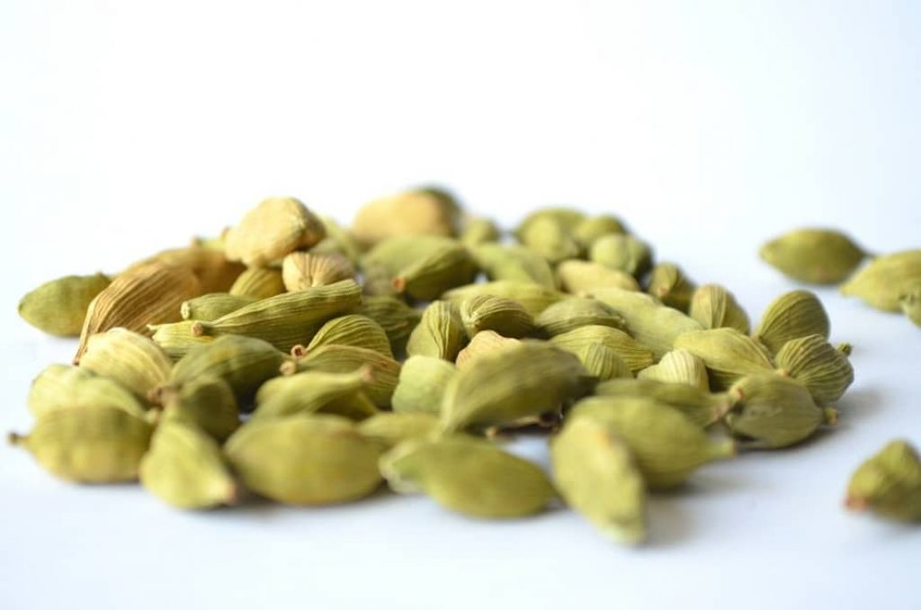 Cardamom is the perfect substitute for saffron. saffron flavoring, best saffron, is there a substitute for saffron. saffron threads substitute