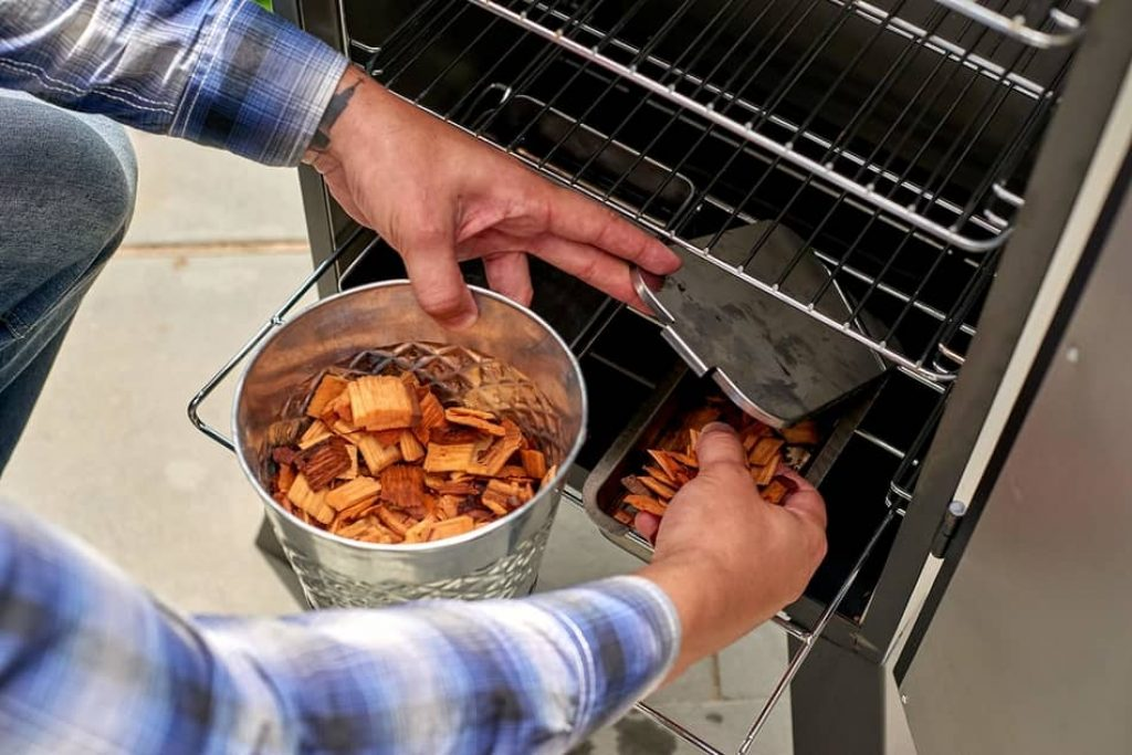 how to use a electric smoker, how to properly use an electric smoker, how to operate a electric smoker, how to use an electric smoker for the first time, how to use an electric smoker video, how to use a smoker box on an electric grill, how to use wood chips in electric smoker,how to use water pan in electric smoker