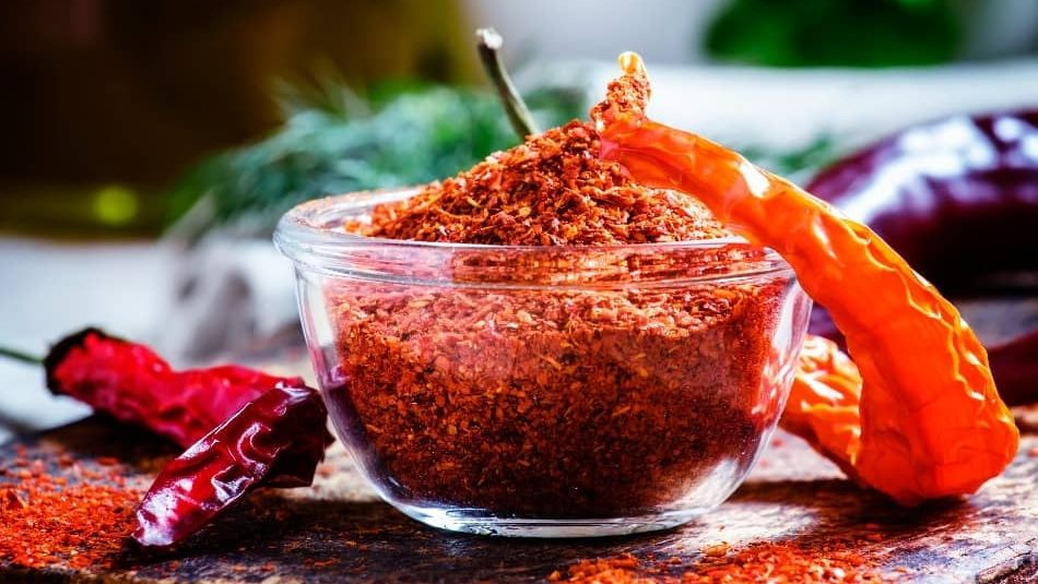 Cayenne Pepper is the best paprika substitute, paprika substitute for cayenne pepper, cayenne pepper vs paprika, can you substitute paprika for cayenne pepper, is cayenne pepper and paprika the same thing? can you use cayenne pepper instead of paprika, can i substitute paprika for cayenne pepper